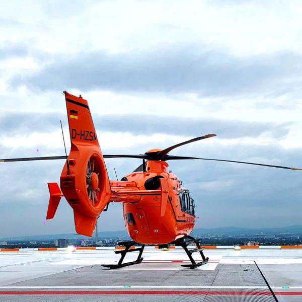 Schienengebundene Hubschrauberlandeplattform der AMM GmbH